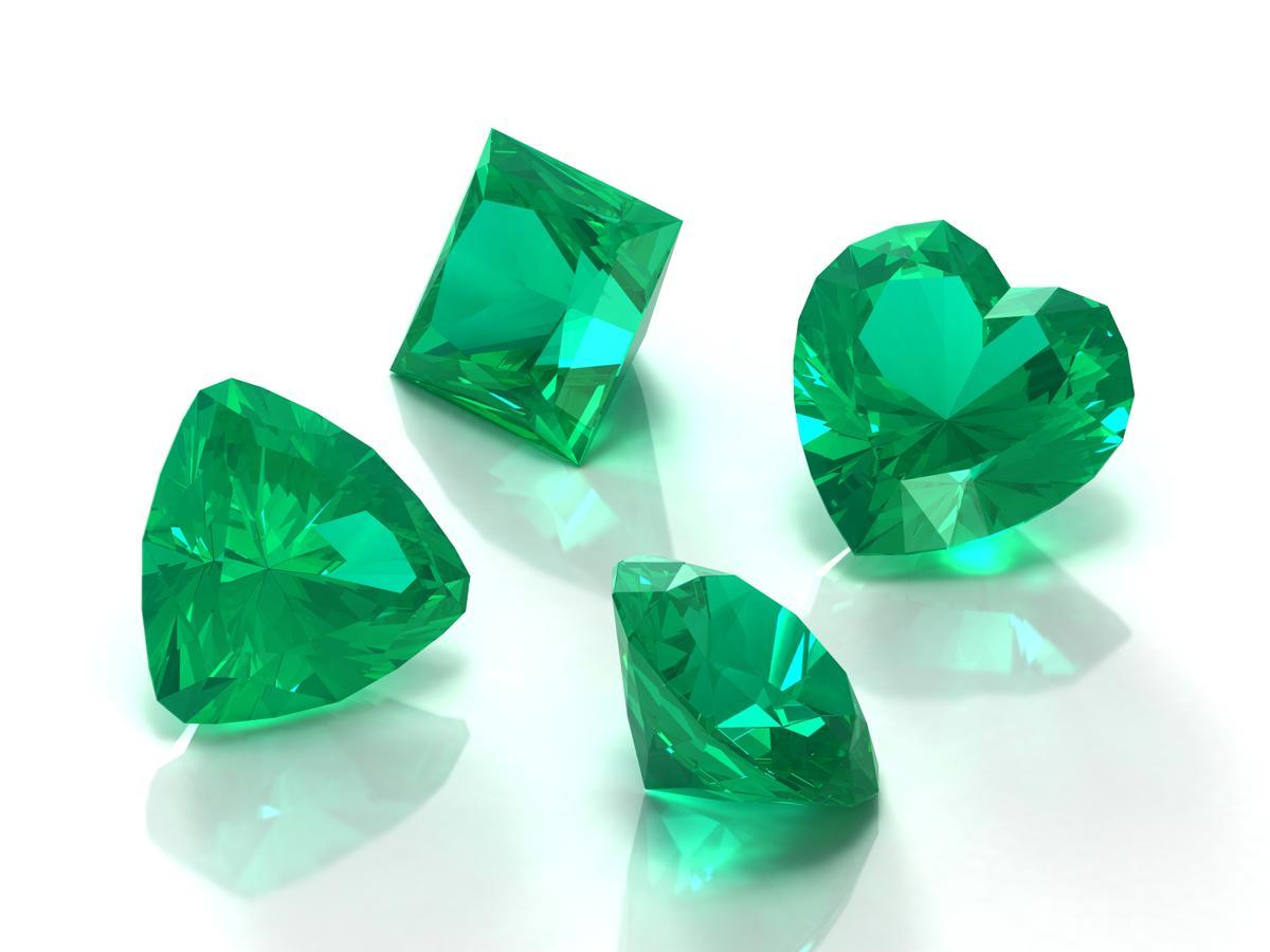 1200-5850-emerald-photo1